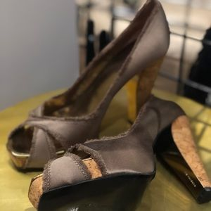 BARBARA BUI 38 1/2 8.5 Brown satin & cork heels
